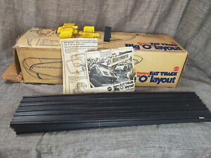 Vintage 1970 Sizzlers Fat Track Big O Layout in Original Box 5 pieces of track