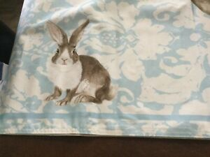 """NWT Williams Sonoma Damask Bunny Table Runner 16""""x108"""" Spring/Easter"""