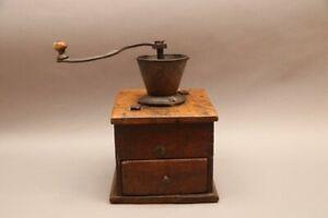 Imposante antike Kaffeemühle um 1800 - aus Museumsauflösung