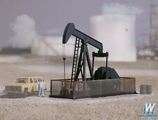 3170 Walthers Cornerstone Walking Beam/Horse Head Oil Pump HO Scale Kit