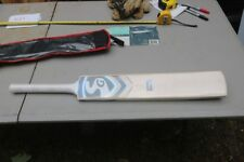 Sg Believe Become Cricket Bat Impact Spark No.5 with Carrying Case