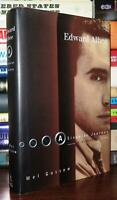 Gussow, Mel - Edward Albee EDWARD ALBEE A Singular Journey: a Biography 1st Edit