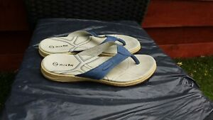 LADIES BLUE NUBUCK LEATHER TOEPOST SANDALS BY ORCA BAY SIZE 6.5.