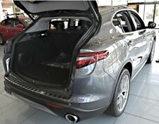 Alfa Romeo Stelvio ab 2017 LADEKANTENSCHUTZ EDELSTAHL  Satin mit Abkantung
