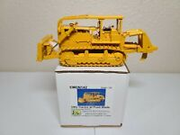 Caterpillar Cat D9G w/ Push Blade & Rounded ROPS - EMD 1:50 Model #N142 New!