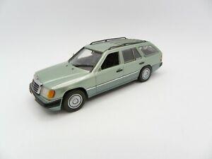 Mercedes Benz 200 Td 1991 W124 Break Green 1/43 MINICHAMPS Miniature