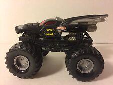 Hot Wheels BATMAN Monster Jam truck 1:64 scale Metal base