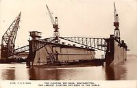 POSTCARD    HAMPSHIRE   SOUTHAMPTON   The  Floating  Dry  Dock   RP