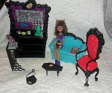 Monster High Clawdeen Wolf Coffin Bean Playset Complete w/ Doll Accessories