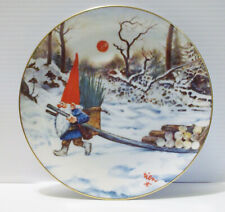 """""""Keep The Gnome Fires Burning"""" Rien Poortvliet 4 Seasons Winter #1499 Plate"""