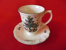 NIKKO Happy Holidays > Cappuccinotasse mit Unterteller < Weihnachten