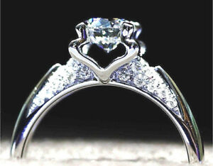 SILVER 1.67 CARAT GLEAMING IDEAL CUT SIMULATED MOISSANITE RING_SIZE 7