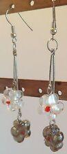 B.O moderne couleur argent tombante pampille tige 2 fleurs de verre gris  287