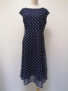 Neu Damen kurzarm Kleid blau gepunktet teilweise weiß Linien Größe M 35097