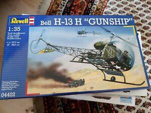 Bell H-13 H Gunship 1:35 Plastic Model Kit Revell, SELTEN
