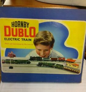 Hornby dublo Edg17  0-6-2 Electric Train Tank And Goods Train Boxed