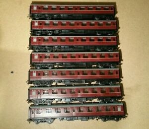 7x Rake BR Mk1 Unbranded Coaches Maroon Livery with Bachmann Couplings