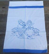 altes Handtuch Überhandtuch Handarbeit blaue Stickerei Kinder Holland