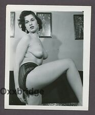 Super Puffy Breasts Nipples Boobs Sexy Tart 1950 ORIGINAL NUDE PINUP PHOTO B2837