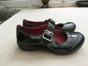 Clarks Mary Jane style back patent unstructured shoes flat comfy stylish 6