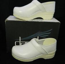 Dansko Professional White Leather Nursing Shoes Size 38 / 7.5-8 US 606-010101
