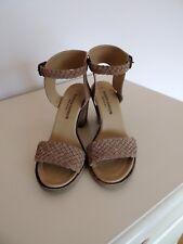 Women block heel, ankle strap beige woven suede sandals 7.5 Made in Italy