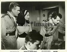 1964-MOVIE STILL-MUTINY IN OUTER SPACE-WILLIAM LESLIE-DOLORES FAITH-B-MOVIE