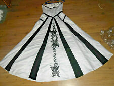 bd10f94aade7cb Abendkleid Ballkleid Brautkleid in schwarz weiß + Stola Größe 40