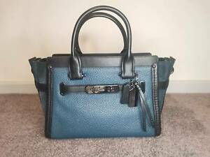 Coach swagger 27 handbag mixed leather crossbody navy blue pebbled leather