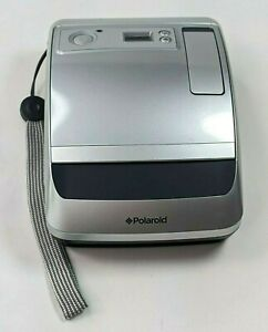 Polaroid One 600 classic instant camera Working Great / Tested