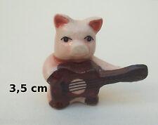 cochon rigolo à la guitare, céramique émaillé, collection, pig, varken B1-06