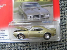1967 PONTIAC FIREBIRD 400        2000 JOHNNY LIGHTNING MUSCLE CARS U.S.A.  1:64