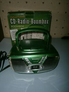Sylvania SRCD211-Green Portable CD Boombox with AM/FM Radio, Retro Style