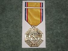 HONORABLE SERVICE Pin Back MEDAL (Honorable Service Discharge Medal)