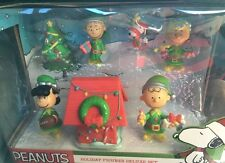 Peanuts Gang Charlie Brown Christmas Holiday Deluxe Figure Set Snoopy New