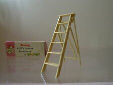 SPOT-ON  TRI-ANG  DOLLS HOUSE FURNITURE 1033 HOUSE HOLD STEPS BOXED SCALE 1:16