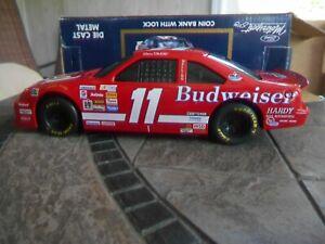 #11 Bill Elliott Budweiser BGN 1993 T-Bird. 1/24 Racing Champions bank.