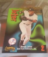 DEREK JETER 1998 SKYBOX CIRCA THUNDER CARD  #2 YANKEES GOOD LOOKING/NICE COLOR!!