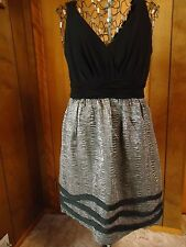 Womens 8 Max and Cleo Black and Silver Sleeveless V-Neck Dress