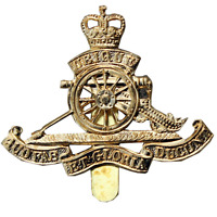ROYAL ARTILLERY RA BASE METAL BRASS CAP BADGE- BRITISH ARMY QUEENS CROWN-NEW