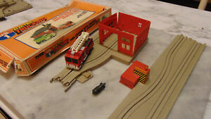 Tyco US1 Trucking Slot Car Fire Truck Station + Flashing Danger Track Parts lot