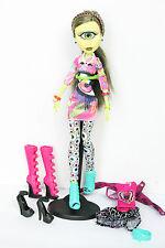 Monster High  Iris Clops I Love Fashion doll