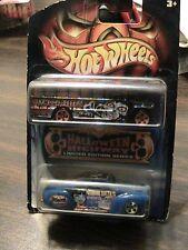 2003 Halloween Highway Hot Wheels - Syemoor Creeps School Bus & Tail Dragger