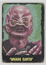 1964 Topps Bubbles Outer Limits Printed in USA #24 Invade Earth Card 0s4