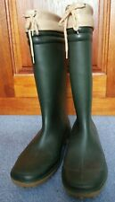 Size 5 dark green wellingtons with beige trim and tie