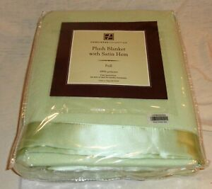 NEW Concierge Collection Plush Polyester  Blanket, Full Size Satin Hem LOOK !