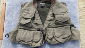 SIMMS Fly Fishing Vest  XL  Excellent Condition  16 secure pockets