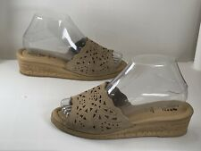 Spring Step Estella Beige Leather Wedge Sandals Women's Size: 38 EUR/7.5-8 US