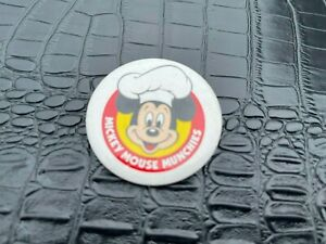 VINTAGE PINBACK BUTTON #58-167 - MICKEY MOUSE MUNCHIES