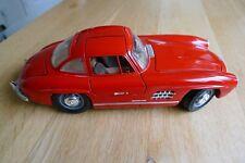 Burago Toys Die Cast 1:18 Red 1954 Mercedes Benz 300 SL Gull Wing Car.